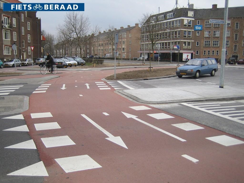 Ein doppelter Radweg im Kreisverkehr ist ganz normal in Holland | Radfahrerzone.de