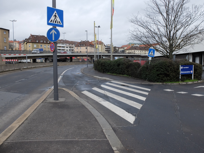 Zebrasteifen an der Schweinfurter Straße | Radfahrerzone.de
