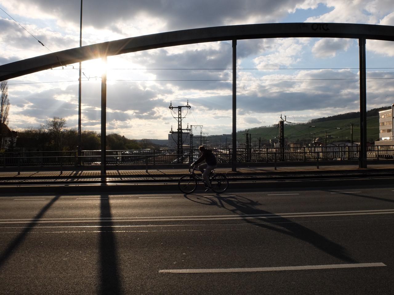 Gemütliches Radfahren auf der Grombühlbrücke | Radfahrerzone.de