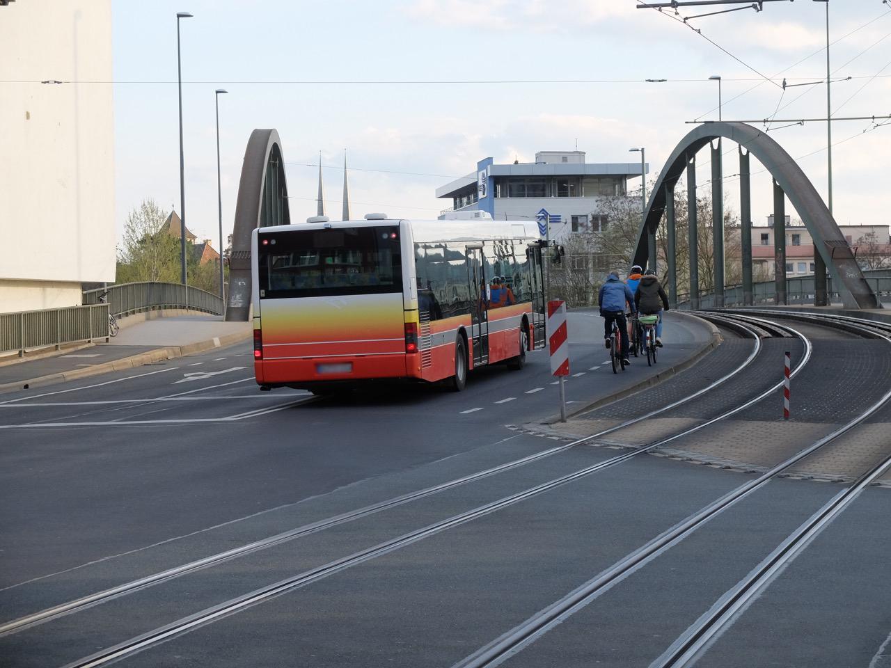 Grombühlbrücke: Platz für RadfahrerInnen: | Radfaherzone.de