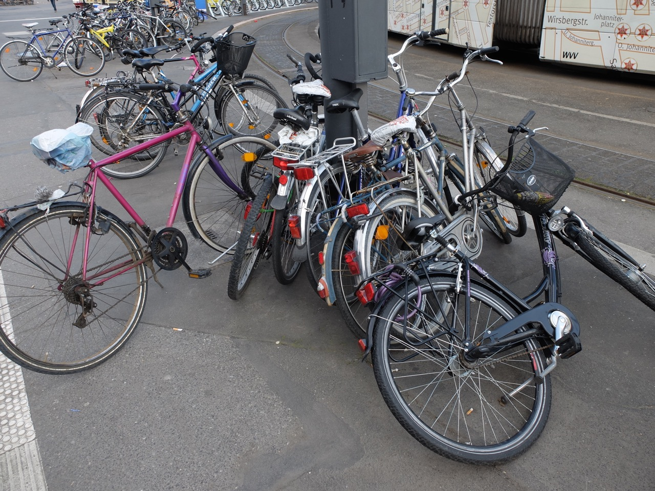 Chaos beim Parken am Würzburger Hauptbahnhof