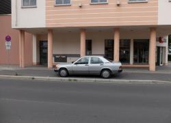 Auto-auf-Radweg_02